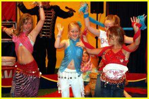 Circus Salto verzorgt Circusprojecten op basisscholen, middelbare scholen en het speciaal onderwijs